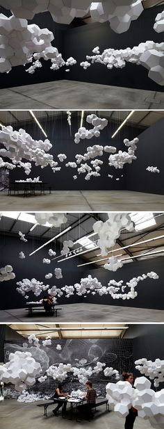 House par Tomás Saraceno This is fun for your eyes: This cloud room fills space in a creative way.This is fun for your eyes: This cloud room fills space in a creative way. Art Installation, Installation Architecture, Land Art, Stage Design, Event Design, Modern Art, Contemporary Art, Instalation Art, Art Plastique