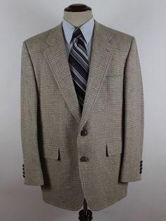 Hart Schaffner Marx Chicago New York Blazer Sport Coat size 42R Plaid Wool Beige #HartSchaffnerMarx #TwoButton