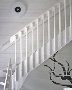 portaikko,portaat,yki nummi,maalatut puut,seinämaalaus