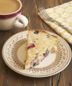 This quick and easy Berry Muffin Cake is a delightful breakfast treat! - Bake or Break Cream Cheese Coffee Cake, Coffee Cream, Cream Cake, Chocolate Cobbler, Chocolate Delight, Butter Pecan Cake, Peanut Butter, Berry Muffins, Cinnamon Cream Cheeses
