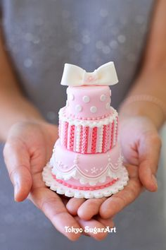 How beautiful - a miniature 3 tier cake, fully decorated.
