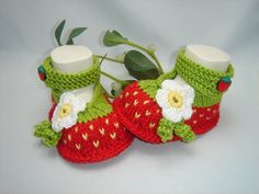 """gestrickte Babyschuhe, Ballerina """"Erdbeere"""" von cw-kreativ auf DaWanda.com                                                                                                                                                                                 Mehr"""
