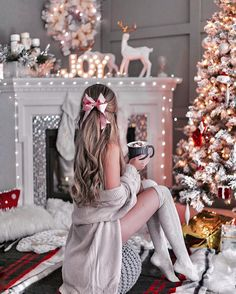 New Year as an opportunity to start a new life - Weihnachtszeit - Yorgo Christmas Mood, Christmas Photos, Tumblr Christmas Pictures, Christmas Chair, Cute Christmas Outfits, Christmas Pajamas, Holiday Outfits, Merry Christmas, Deco Rose