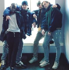 Caption: When the teacher takes a picture of the. Jaden Smith, Shay Mitchell, Millie Bobby Brown, Series Movies, Tv Series, Isak Skam, Skam Tumblr, Skam Cast, Lucas Jade Zumann