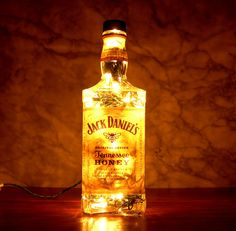 Jack Daniel's Tennessee Honey Whisky Liquor Bottle Lamp.