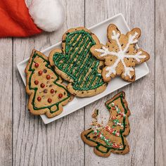 Chocolate Chip Holiday CutoutsChewy chocolate chip cookies cut into festive holiday shapes. Fun for the whole family to decorate! Ingredients • 1 package (16.5 ounces) Nestlé Toll House Refrigerated...