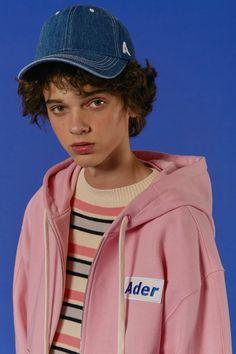 ADER styling Basic ADER zip-up hoodie pink Stripe long knit Cutting denim pants #ader #adererror #styling #wit #mixmatch #knit #pink #denim #cap