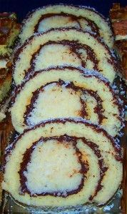 KÓKUSZOS ROLÁD Sweet And Salty, Cookie Recipes, Zucchini, Rolls, Biscotti, Cookies, Baking, Vegetables, Eat