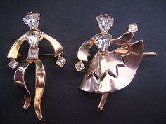 Vintage Goldtone and Rhinestone Dancing Couple Pin-Brooch