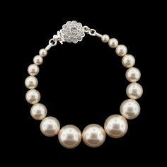 Graduated Pearl Bracelet