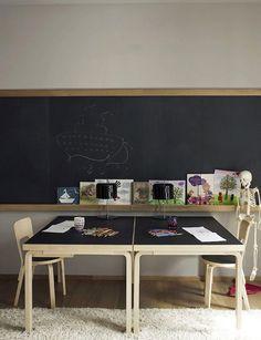 【海外発!】兄弟でシェアする子供部屋のインテリア事例~勉強机のレイアウト編 | スクラップ [SCRAP]
