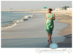 love beach pictures, maternity pix on the beach reminds me of home
