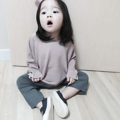 So fucking much.You are my most precious thing in the word. Cute Asian Babies, Korean Babies, Asian Kids, Cute Babies, Kid N Teenagers, Kids Girls, Japanese Kids, Ulzzang Kids, Cute Girl Photo