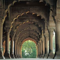 This is the Red Fort. Weird how I can point this out with being there only once. Just so memorable.