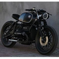 Visit a handful of my most favorite builds - customized scrambler ideas like this Yamaha 250, Yamaha Cafe Racer, Cafe Racers, Moto Cafe, K100 Scrambler, Scrambler Custom, Cafe Racer Motorcycle, Motorcycle Style, Bmw R80rt