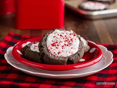 I think it's clear, I'm on a bit of a peppermint bark kick this week, today it's peppermint bark Christmas cookies… Delicious chocolate cookies topped with peppermint bark. I got the idea for these after making my Chocolate Mocha Cookies. Oh these Chocolate Mocha Cookies. I'm not a big coffee drinker, but combine it with …