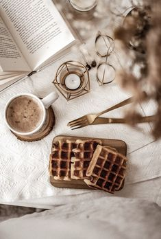 Sunshine on a cloudy day 🧇☕️⛅️ Cozy Aesthetic, Brown Aesthetic, Autumn Aesthetic, Flat Lay Photography, Book Photography, Composition Photo, Photography Composition, Coffee Break, Coffee Time
