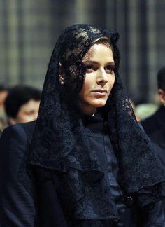 Why Do Catholic Women Wear The Mantilla?