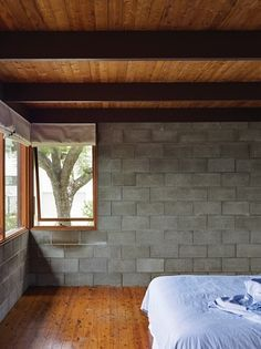 This modest home, designed in the late by Rodney Chambers for himself and his family, is grounded within the beauty of the surrounding garden. Cement House, Concrete Houses, Concrete Architecture, Architecture Design, Cinder Block House, Cinder Block Walls, Casa Mix, Concrete Block Walls, Modern Lodge