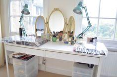 Bancada de maquiagem Victoria Ceridono (@Dia de Beauté)