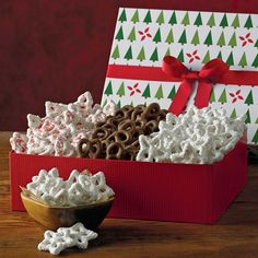 Holiday Covered Pretzels | Pretzel Gifts | Harry & David