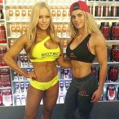 With the always beautiful and sexy figure pro Zsusanna Toldi  #zsusannatoldi #xxlnutrition #nellensports #fitmom #fitstyle #scitec #scitecnutrition