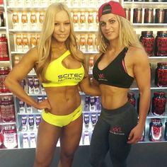 With the always beautiful and sexy figure pro Zsusanna Toldi  #zsusannatoldi #xxlnutrition #nellensports #fitmom #fitstyle #scitec #scitecnutrition