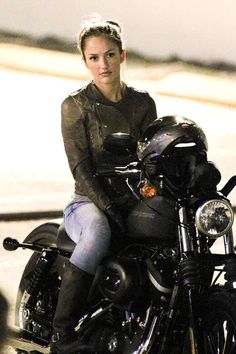 Minka Kelly filming charlie's angels