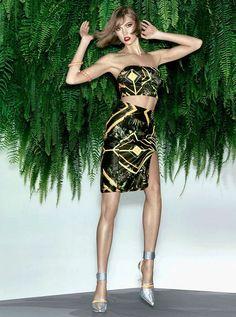Karlie Kloss by Henrique Gendre for Vogue Brazil November 2013