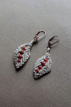 Macrame Hemp Leaf Earrings with Glass  от PerpetualSunshine111, $12.00