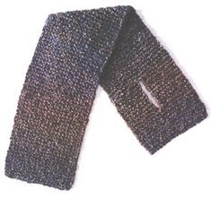 This short neck warmer is perfect for brisk fall days or under your toniest jacket. This short neck warmer is perfect for brisk fall days or under your toniest jacket. Crochet Lace Scarf, Crochet Mandala, Crochet Afghans, Crochet Blankets, Crochet Stitches, Beginner Knitting Patterns, Knitting Ideas, Garter Stitch, Neck Scarves