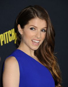 Anna Kendrick at the 2015 premiere of 'Pitch Perfect 2'. http://beautyeditor.ca/2015/05/14/pitch-perfect-2-hair