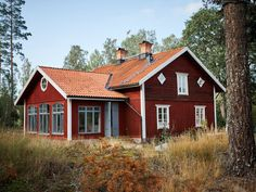Historiska hem Small Buildings, Scandinavian Home, Living Furniture, Beautiful Homes, Home And Garden, Farmhouse, Cottage, House Design, Architecture