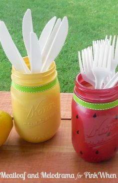 Celebrate summer with DIY painted mason jars that look like watermelons and lemons...super cute idea!