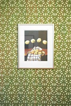 Kunst på tapetet.  Håndtrykt LLZ TAPET STORE GRØN Fra udstillingen i Galleri5000 2014