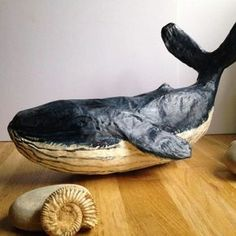 40 SELF-DO Paper Mache Sculpture Art Examples For Beginners - Bored Art to do when bored crafts jar crafts crafts Paper Mache Diy, Paper Mache Projects, Paper Mache Sculpture, Sculpture Projects, Diy Paper, Sculpture Art, Paper Art, Art Projects, Paper Crafts