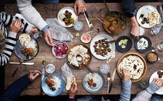 Bildresultat för people sharing food