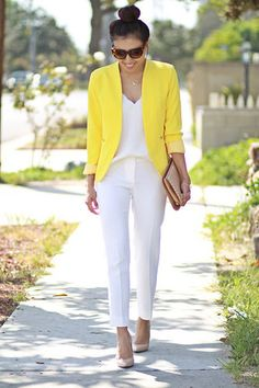 date outfit dress White Pants Outfit, Blazer Outfits Casual, Blazer Outfits For Women, Business Casual Outfits For Women, Yellow Blazer, White Outfits, Suit Jacket With Jeans, Work Fashion, Fashion Outfits