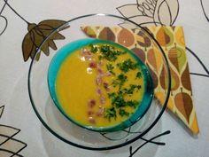 Édesburgonya krémleves Bacon, Eggs, Plates, Breakfast, Tableware, Food, Licence Plates, Dishes, Dinnerware