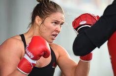 Às vésperas de luta contra Holly Holm, Ronda Rousey revela choro por tatame #globoesporte