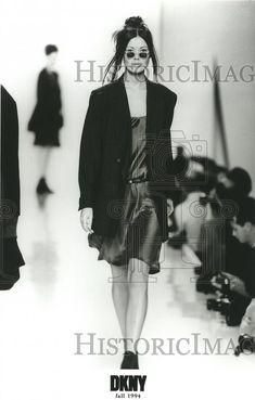 fashion show - DKNY - Fall 1994 - New York Donna Karan, New York Fashion, Supermodels, Fashion Show, Fall Winter, Spring Summer, Tops, Top Models