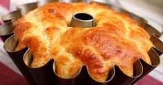 Cheesy Bundt Bread