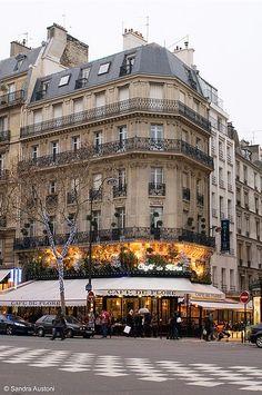 Café de Flore on Boulevard Saint-Germain, Paris. My favourite place! Paris 3, I Love Paris, Paris Travel, France Travel, Places To Travel, Places To See, Boulevard Saint Germain, Tuileries Paris, Parisian Cafe