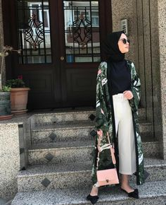 Style Hijab Moderne 2019 pour Mohajaba Chic – Hijab Fashion and Chic Style Faceb… – Hijab Fashion 2020 Hijab Fashion Summer, Modern Hijab Fashion, Street Hijab Fashion, Abaya Fashion, Muslim Fashion, Modest Fashion, Fashion Outfits, Style Fashion, Fashion 2018