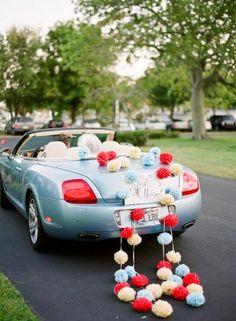 52 Pompom Ideas For Fun Wedding Decor   HappyWedd.com