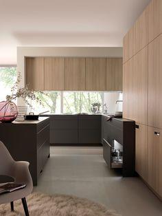 Knusse woonkamer met lichte kleuren interieur inrichting for Interieur maddens