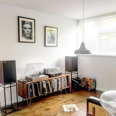 how to design tshirts Vinyl Record Storage, Record Shelf, Record Stand, Vinyl Room, Audio Room, Interior Decorating, Interior Design, Apartment Living, Bedroom Decor