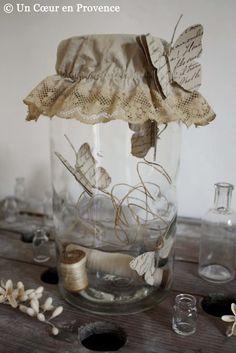 French script paper butterflies in a jar Mason Jar Crafts, Bottle Crafts, Mason Jars, Shabby Chic Crafts, Vintage Crafts, Diy And Crafts, Arts And Crafts, Fairy Jars, Jar Art