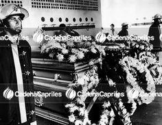 Bomberos rinden honores a funcionarios caídos en la Planta eléctrica de Tacoa, durante el incendio ocurrido en la misma. Foto: Archivo Fotográfico/Cadena Capriles