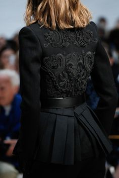 Fuck Yeah, Fashion Couture, Vera Wang S/S 2015, Black decor, embroidery